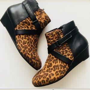 Comfortview cheetah booties
